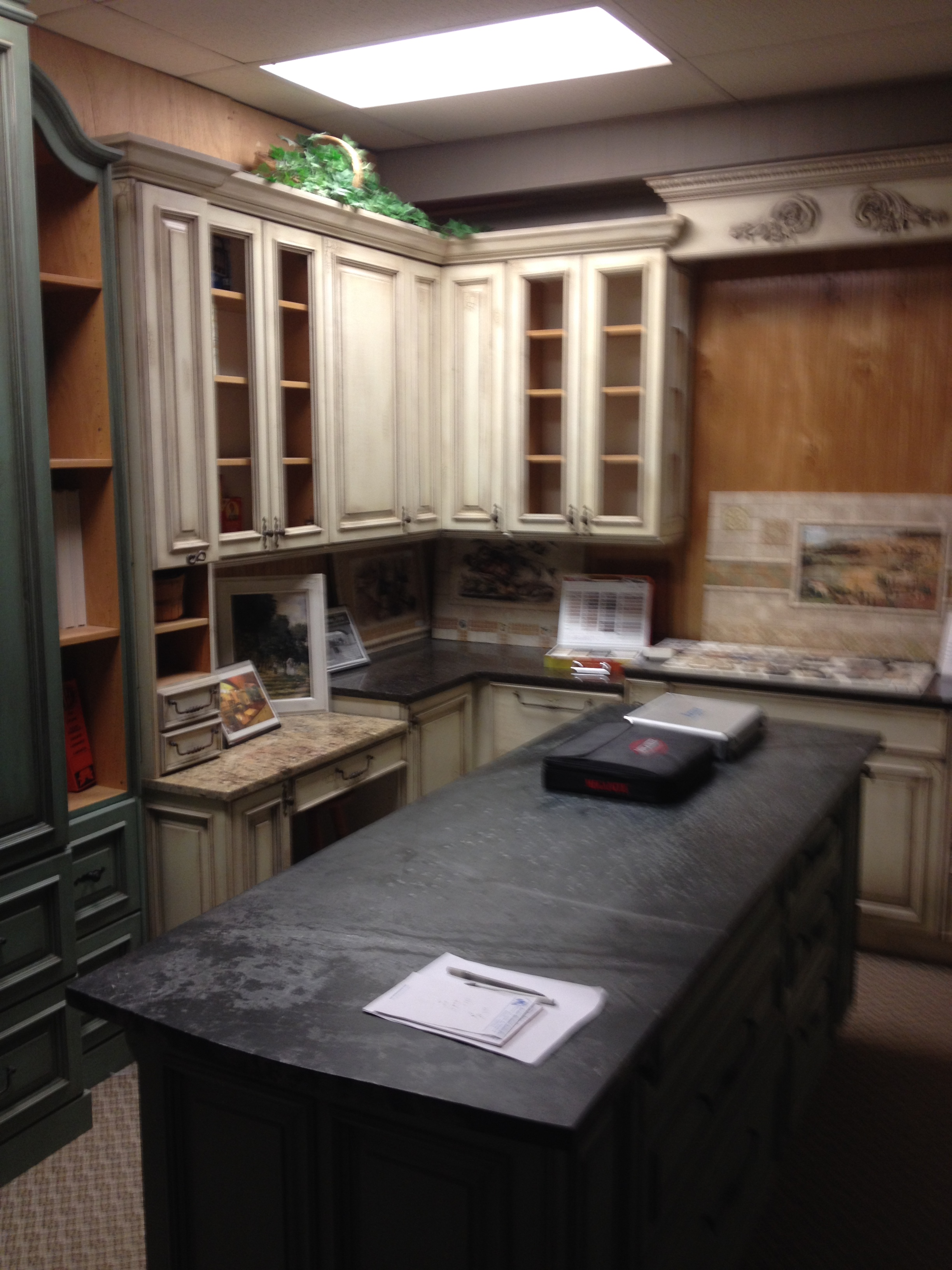 the curved top sections on the amoire flanking cabinets are a bear to make and quite expensive to produce but few shops in oklahoma are capable of producing - Habersham Cabinets Kitchen